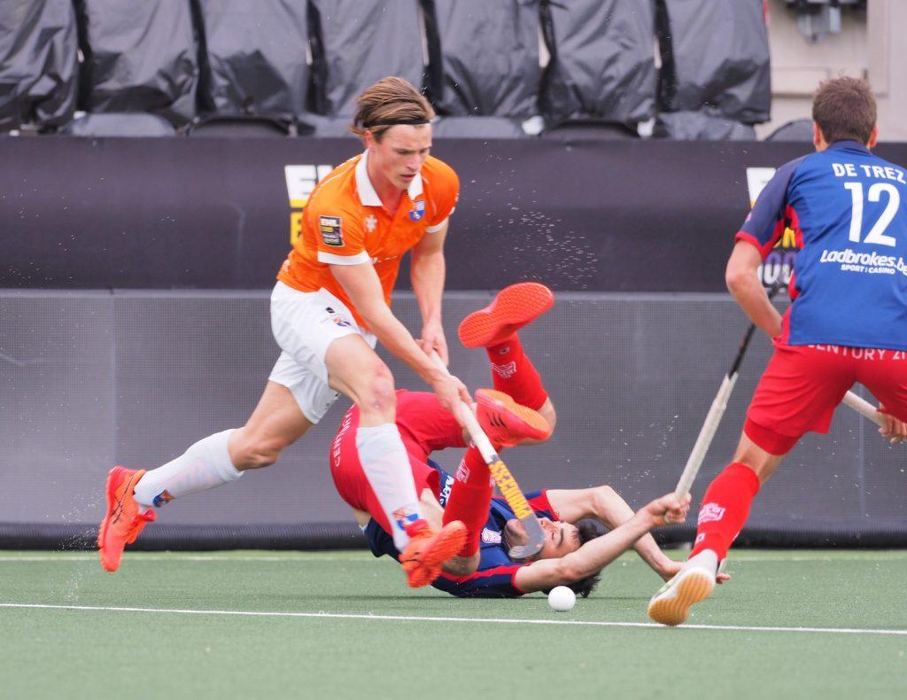 Bloemendaal wint na een spannende wedstrijd van Royal Leopold in de halve finale van de EHL.