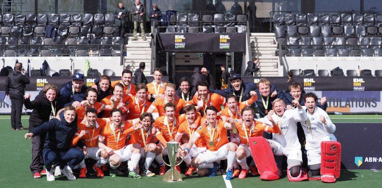 Bloemendaal wint de EHL 2021 finale.