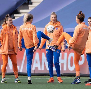 De Nederlandse hockey dames worden woensdag gevaccineerd.