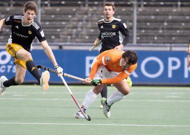 Arthur van Doren in actie in de finale van de EHL.