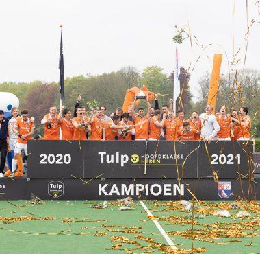 Bloemendaal wordt landskampioen in het seizoen 2020-2021.