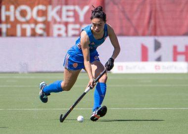 Stella van Gils in actie op de FIH Pro League 2021.
