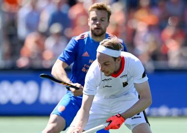 Mink van der Weerden tegen Duitsland op het EK Hockey 2021