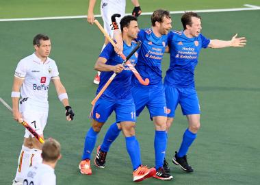 Oranje wint de kraker van België en gaat naar de finale van het EK Hockey 2021.