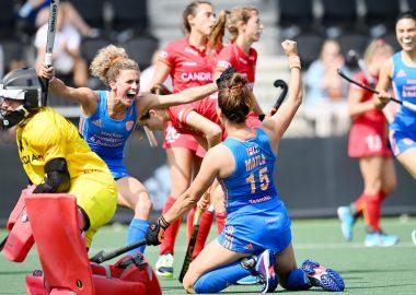 Frederique Matla en Maria Verschoor maken zich op voor de finale tegen Duitsland.