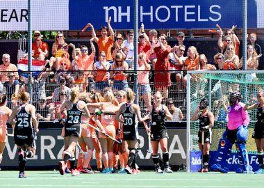 Nederland komt in de finale van het EK Hockey op een 1-0 voorsprong.
