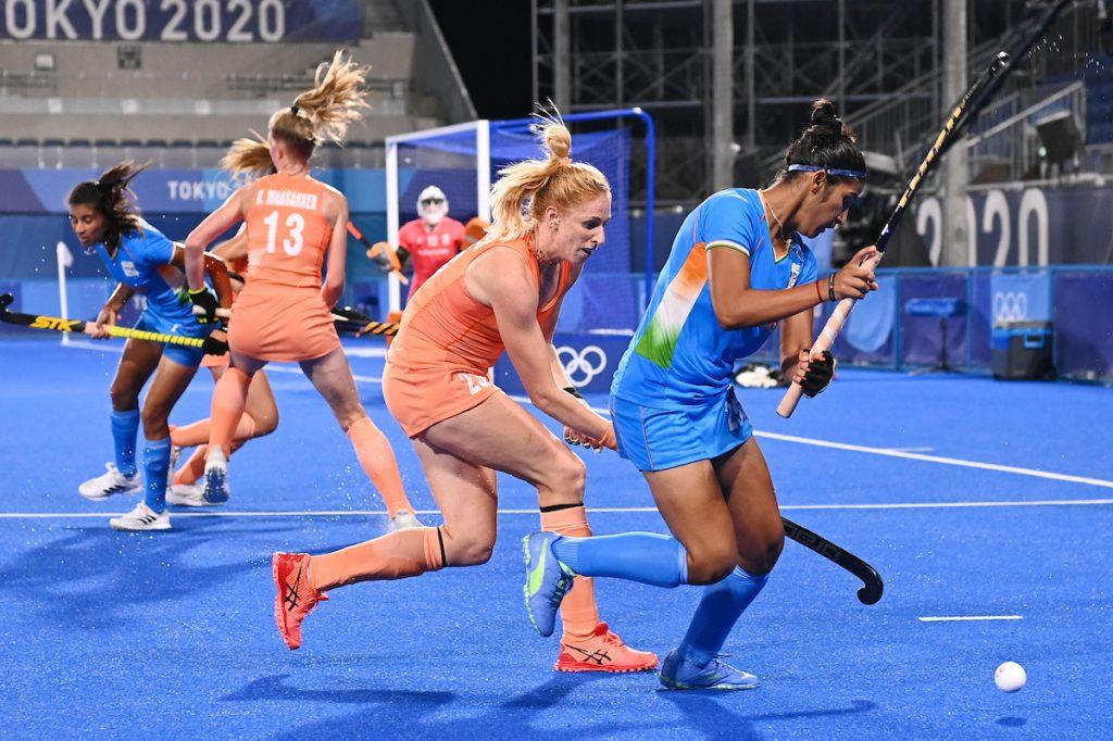 India hield in de eerste helft goed stand tegen het sterke Oranje.