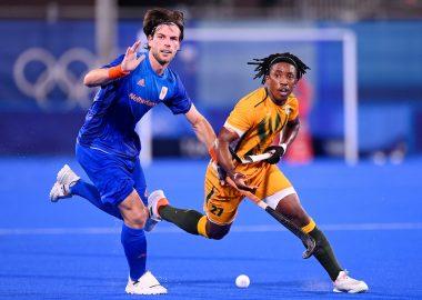 Nederland wint moeizaam van Zuid-Afrika op de Olympische Spelen